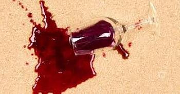 Kırmızı şarap Lekesi Nasıl Çıkarılır